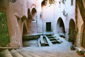 Cefalu-medieval-lavatory