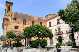 Corleone-town-hall-square