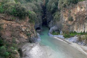 Etna-jeep-ride-wine-and-Alcantara-gorges-2