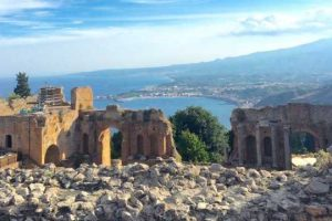 Greek-Theater-and-Wine-tasting-in-Taormina-5
