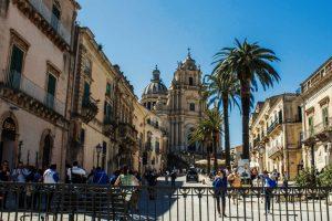 Piazza-Duomo-in-Ragusa-Ibla