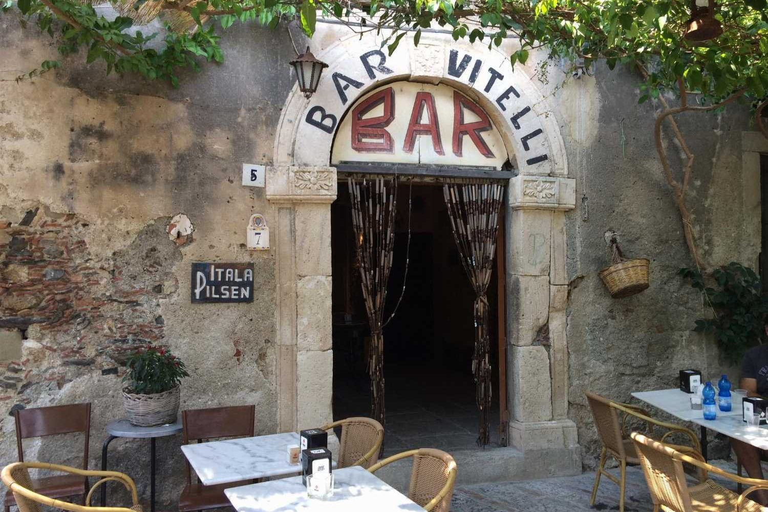 Savoca-Bar-Vitelli-Entrance
