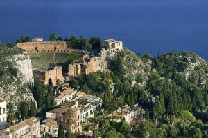 Taormina-Greek-Theater-view-from-Madonna-della-Rocca
