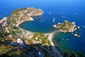 Taormina-great-view-of-the-Isolabella