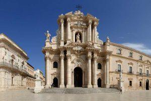 The-Duomo-Portalr-in-Syracuse