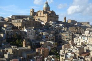 The-panoramic-view-of-Piazza-Armerina
