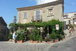 Savoca-and-the-Bar-Vitelli
