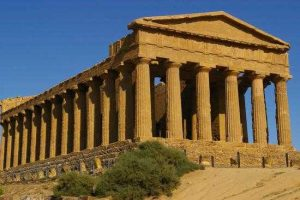 Visit-the-Valley-of-the-Temples-and-the-Concordia-Temple-in-Agrigento