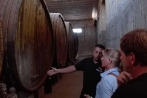 Wine-Cellars8532381