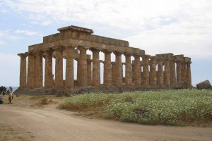 from-Agrigento-to-Trapani-stops-in-Selinunte-and-Segesta-3
