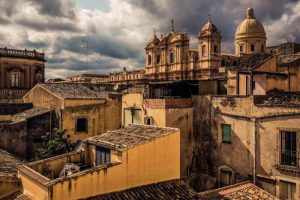 from-ancient-times-to-baroque-palazzolo-acreide-and-noto-from-siracusa