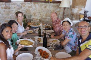 lunch-in-a-farmhouse