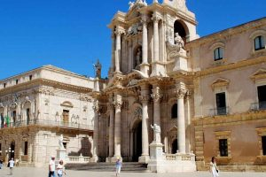 siracusa-walking-tour-with-private-licensed-local-guide