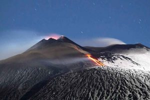 small-group-tour-to-enjoy-etna-nature-flavours-from-catania