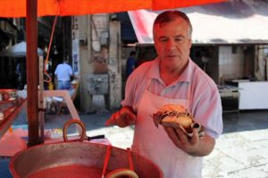 vendor-of-spleen-sandwich-in-Palermo-Market