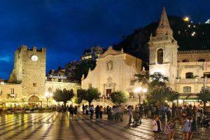 visit-Taormina-city-center-the-Panoramic-Square