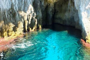 Siracusa boat tour caves
